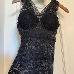 NWOT🖤Lace Camisole w Built-In Lightly Padded Cups